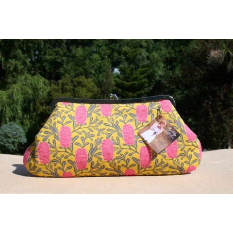 Isabella carry-all clutch - Banksia