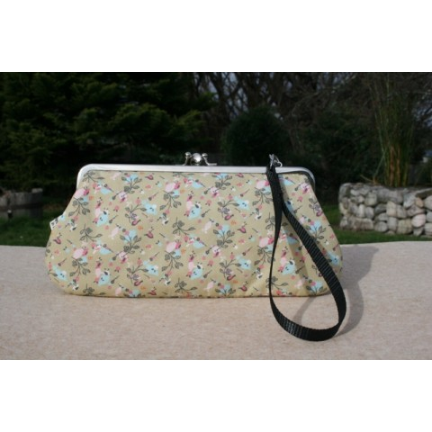 Chloe convertible - Beige with tiny floral